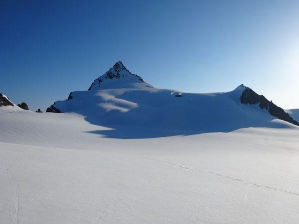 Sulphide Glacier to Summit Pyramid
