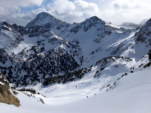 Nice Turns with Gallatin peak in distance