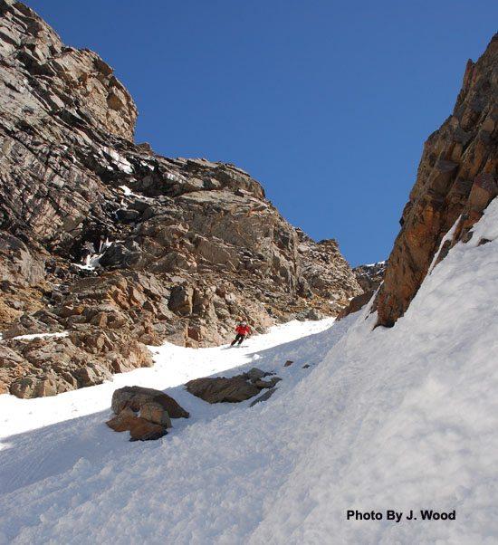 Skiing the Chamonix Couloir