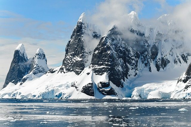antarctica - pixabay - ocean - mountains