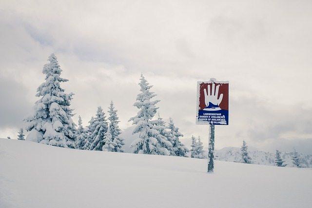 Avalanche Warning Sign | Pixabay