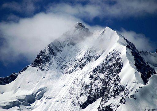 Piz Bernina | Photo By Jphoto via Wikimedia Commons