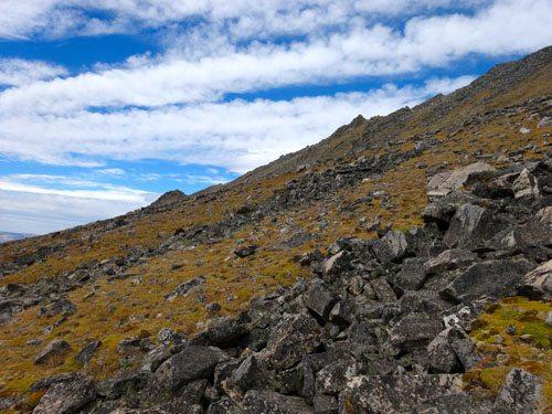 Approach to Dutchman Peak via South Face