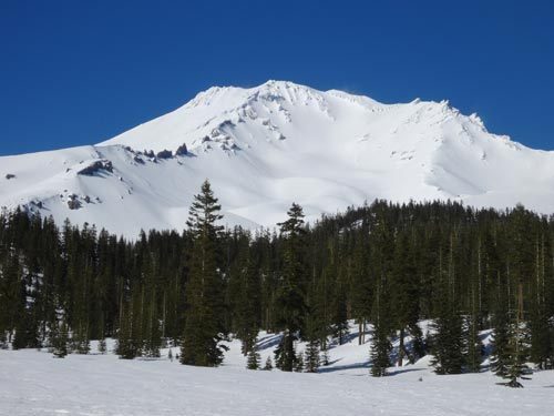 Mount Shasta, California | Photo: A Mountain Journey