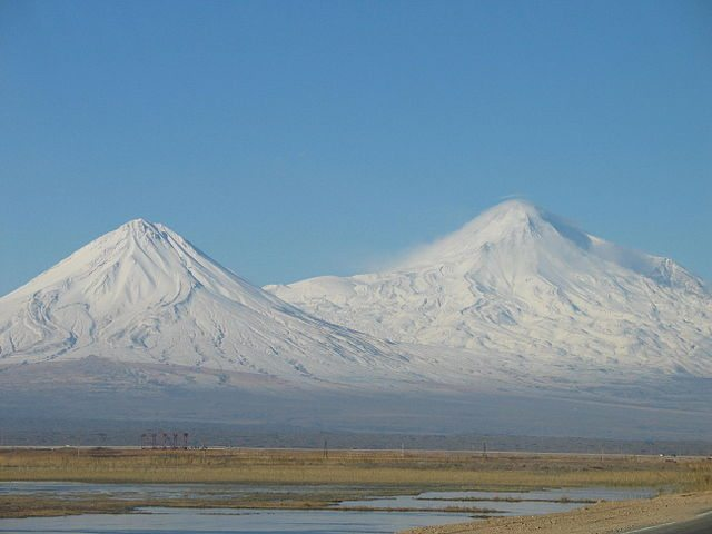"Mount Ararat | By Cemil1280 - <span class=""int-own-work"" lang=""en"" xml:lang=""en"">Own work</span>, <a href=""http://artlibre.org/licence/lal/en"" title=""Free Art License"">FAL</a>, <a href=""https://commons.wikimedia.org/w/index.php?curid=11985326"">Link</a>"